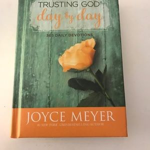 Trusting God Devotional Joyce Meyer NWT